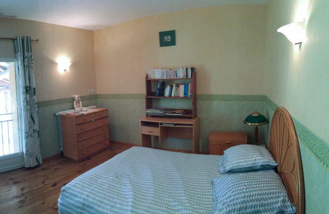 les bourdoncles serena grande et belle chambre avec lit double