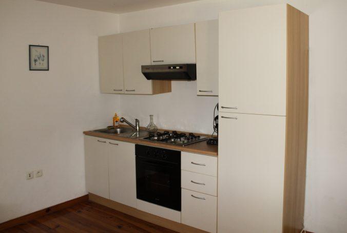 les bourdoncles Ombrassa grande cuisine avec coin salle a manger tout équipée