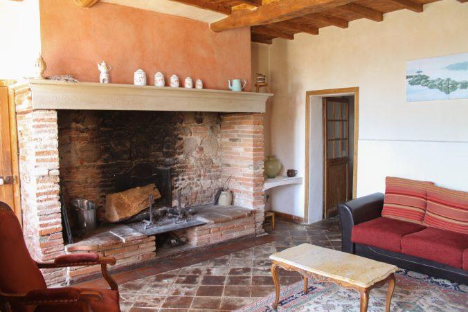 les bourdoncles familha salon cheminée monumentale