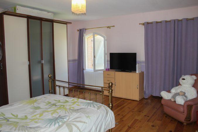 les bourdoncles serena chambre 1 lit double grande spacieuse et lumineuse