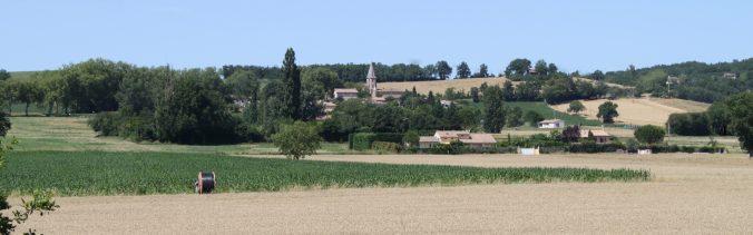 vue au nord du gite les bourdoncles église st anatole
