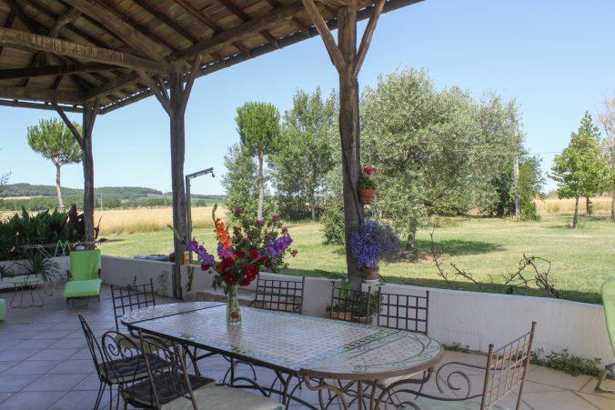 les bourdoncles serena vaste terrasse ombragée fraiche 6