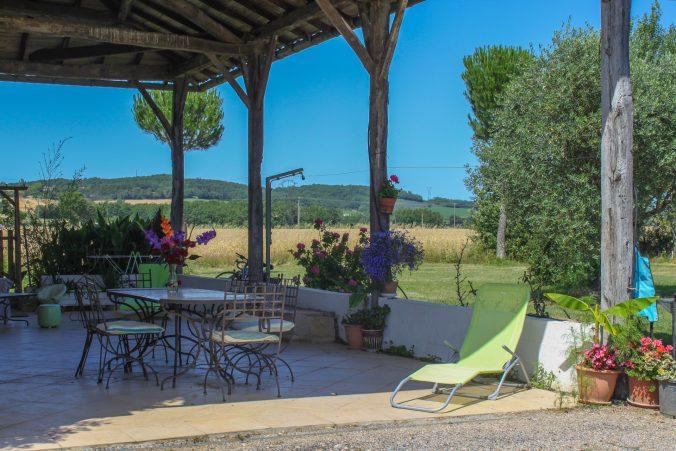 les bourdoncles serena vaste terrasse ombragée fraiche 4