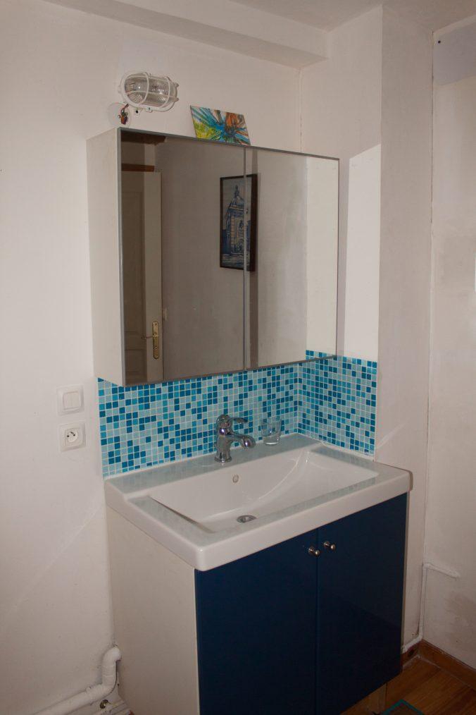 les bourdoncles Ombrassa salle de bain lavabo