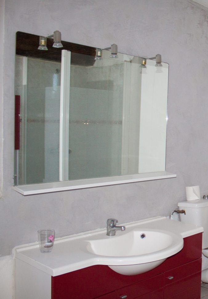 les bourdoncles familha salle de bain rez-de-chaussée beignoire douche lavabo