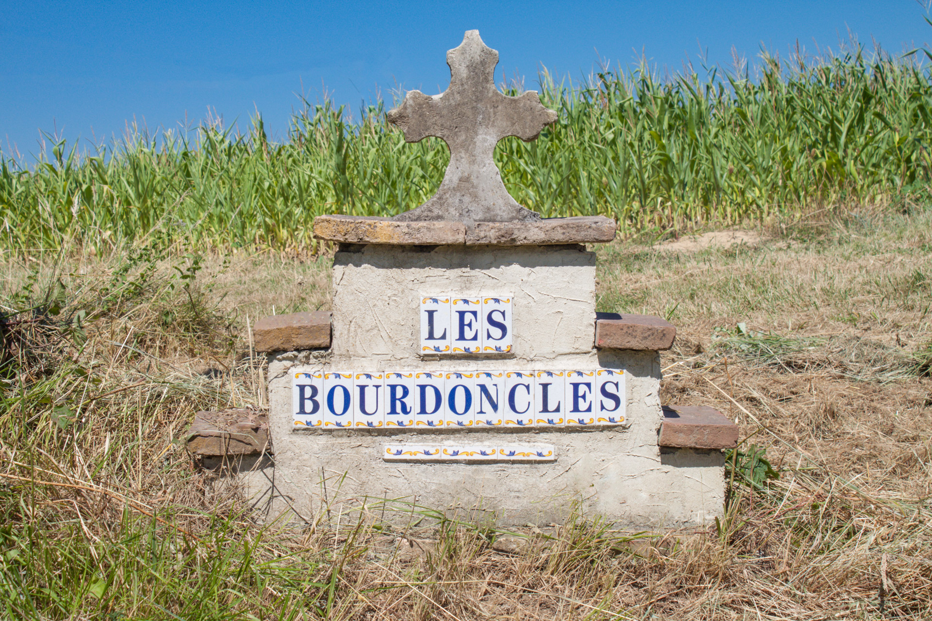 Les Bourdoncles - Croix occitane