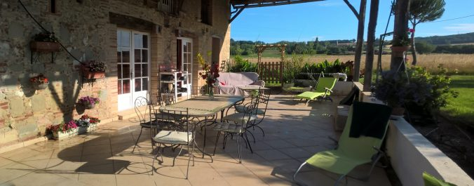 les bourdoncles serena vaste terrasse ombragée fraiche 2