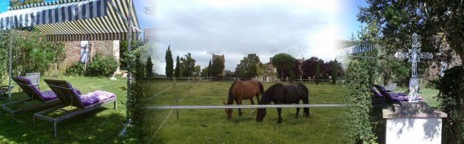 Bain de soleil, parc à chevaux et croix traditionnelle